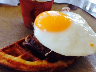 https://eatprayjade.com/2014/12/22/duck-and-waffle/